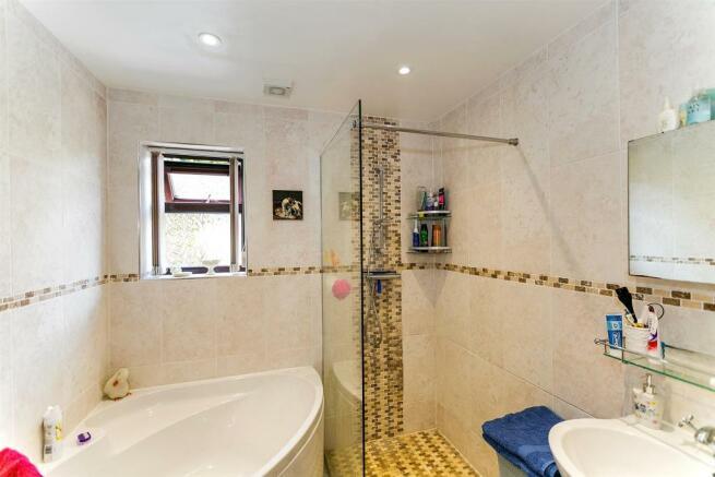 _MG_0628 Bathroom.jpg
