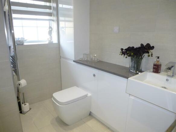 Shower Room2.JPG