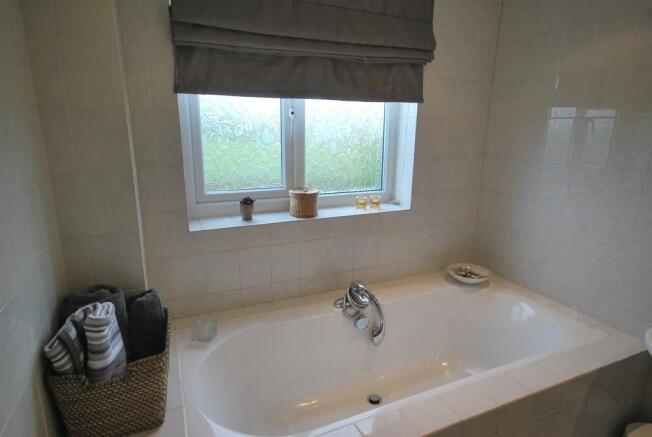 17 Springclough Drive Bathroom Feature.JPG