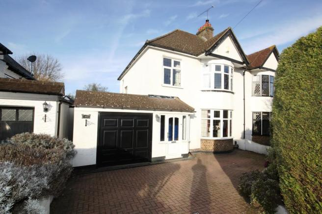 3 Bedroom Semi Detached House For Sale In Priory Avenue Petts Wood