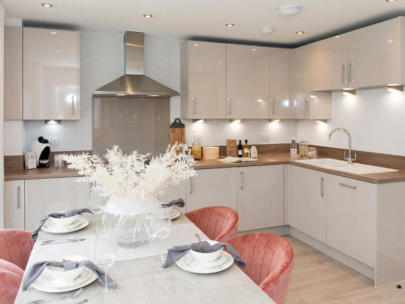 High specification kitchen/dining area with integrated appliances