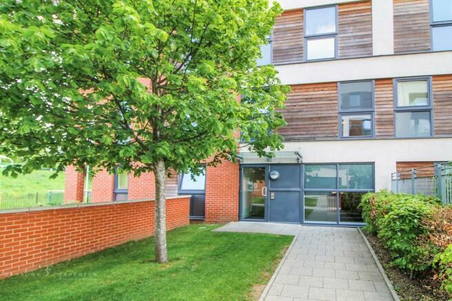 2 bedroom flat to rent in Bell Barn Road, Birmingham, West ...