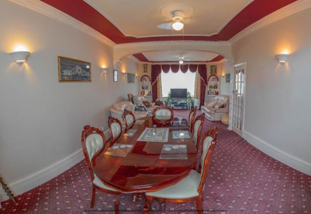 Larger Lounge