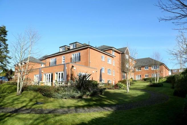 Holmesdale Manor