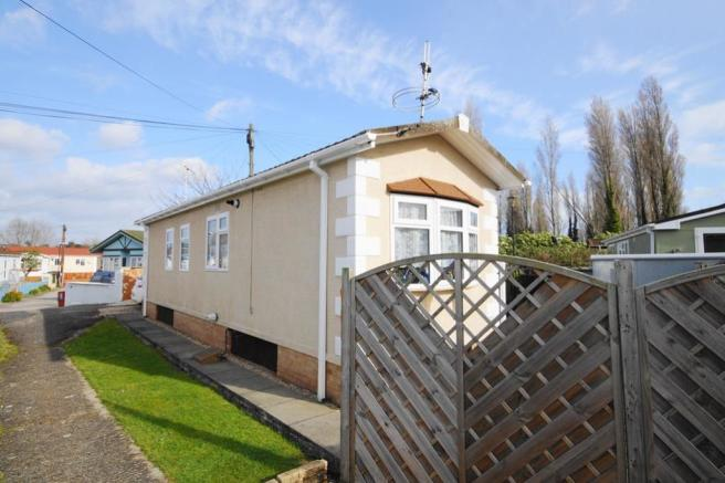 2 Bedroom Park Home For Sale In Iford Bridge Home Park Bournemouth