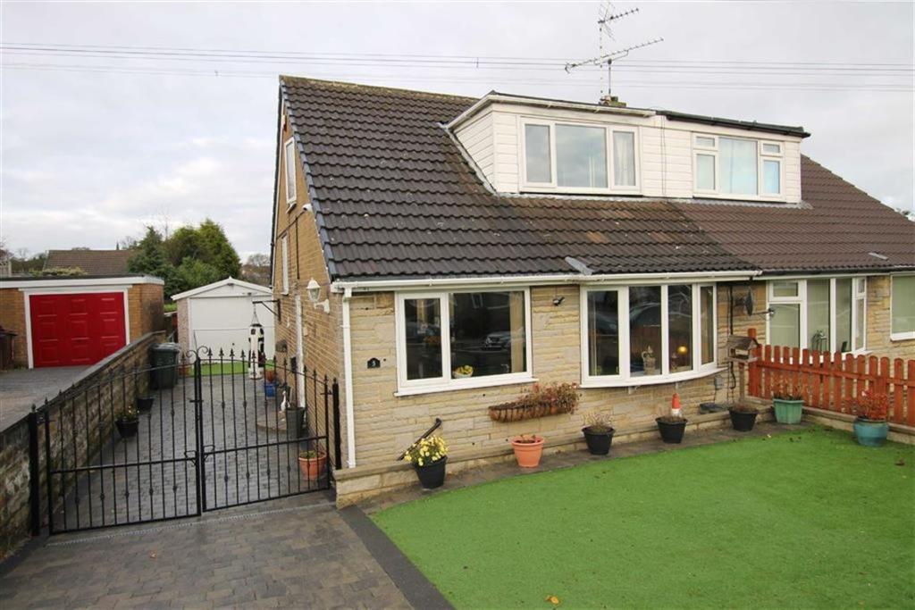 4 bedroom semi-detached house  Markfield Drive, Bradford