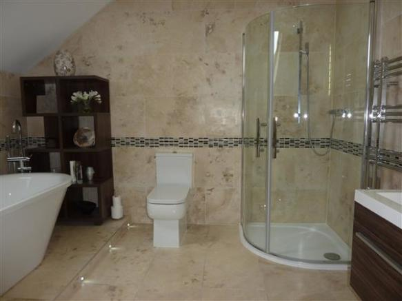 PRIVATE ENSUITE