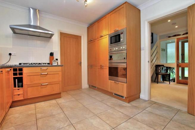 74 Rigby Lane kitchen 2.JPG