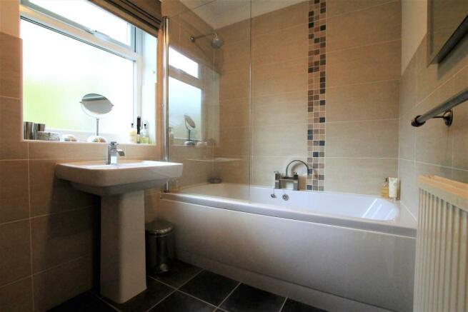 74 Rigby Lane bathroom.JPG