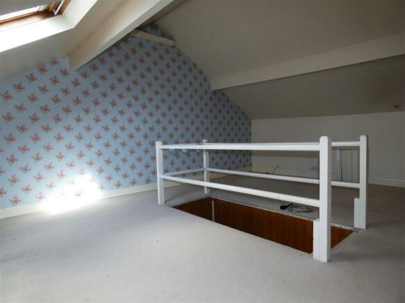 Attic Bed 2.jpg