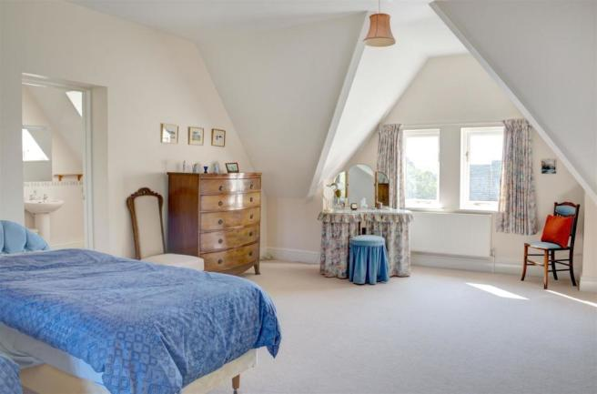 Hylmeade- Main Bedroom.jpg