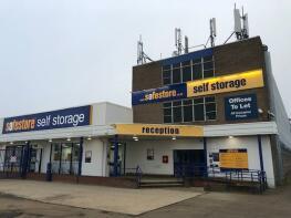Photo of Safestore Self Storage, Ampthill Road, Bedford, Bedfordshire, MK42