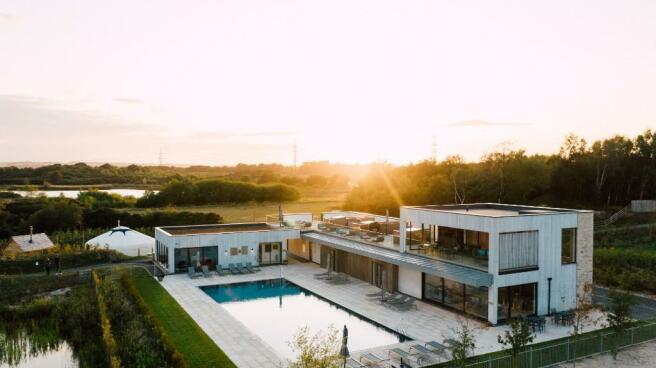 Pool & Hurricane Spa