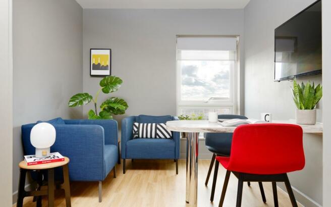 Giles Apartment