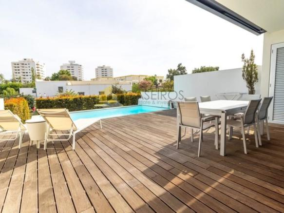 Deck and Pool T3 Albufeira