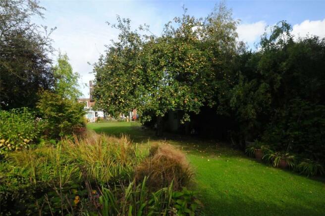 180' Rear Garden