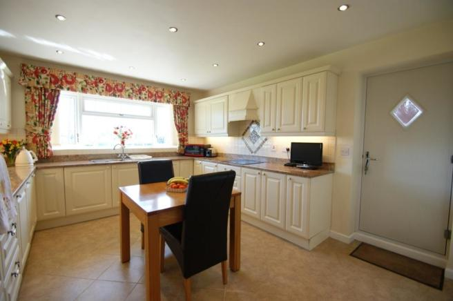 Garden Cottage - kitchen 1.jpg