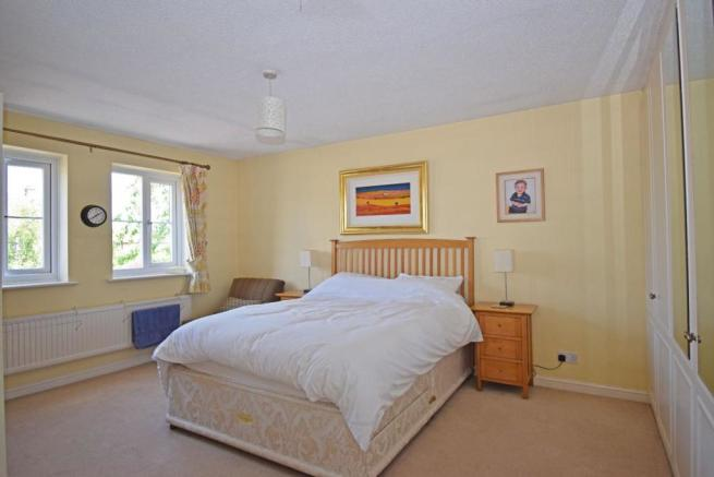 1a Shirley Road, bed 1.jpg