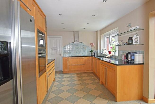 1a Shirley Road, kitchen 1.jpg
