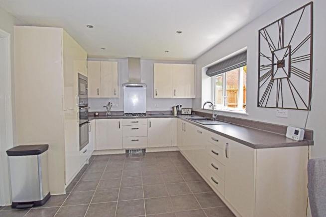 5 Dovey Close, kitchen.jpg