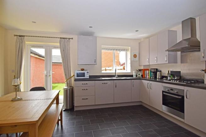 28 Bruton Avenue, kitchen 2.jpg