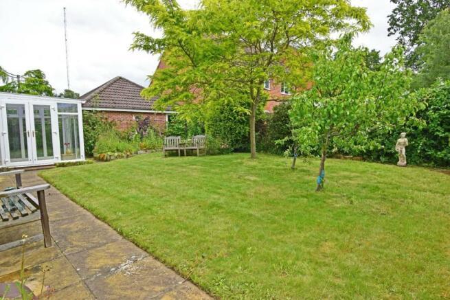 47 Pear Tree Way, garden 2.jpg