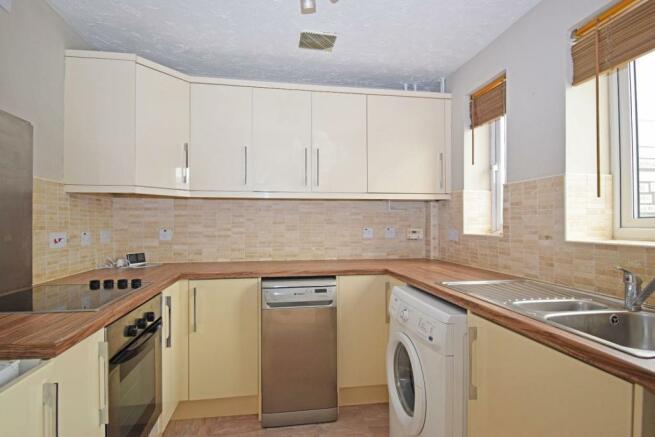 61 Showell Green, kitchen.jpg
