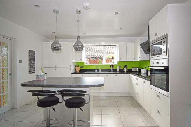5 St Richards Close, kitchen.jpg