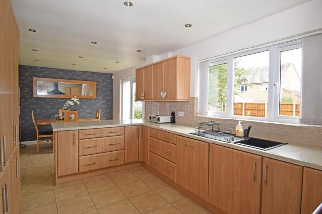 62 Sandles Road, kitchen 2.jpg