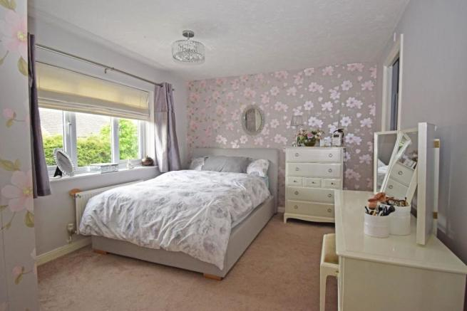 62 Sandles Road, bed 2a new.jpg