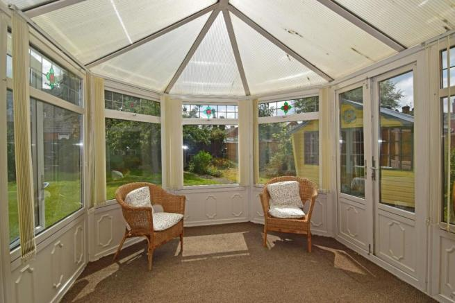 18 Ombersley Rd W, House conservatory.jpg
