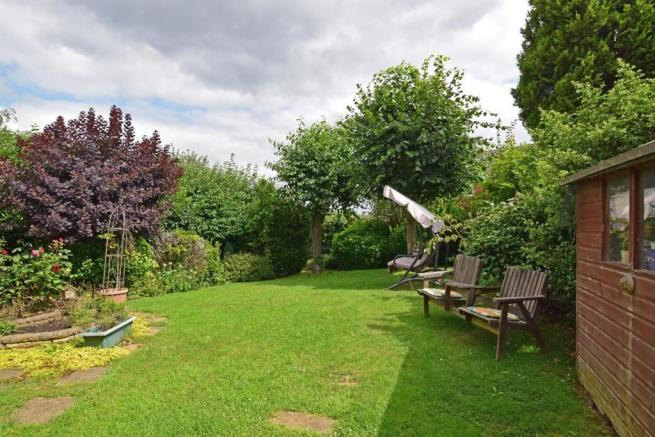 1 Maytree Hill, garden c.jpg
