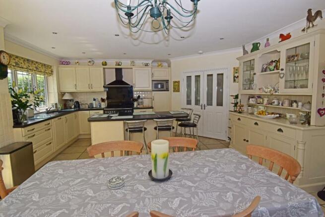 Little Rowe, kitchen 2.jpg