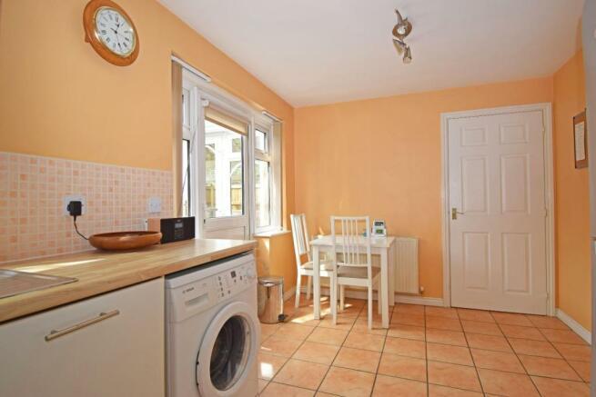 11 Impney Way, kitchen diner.jpg