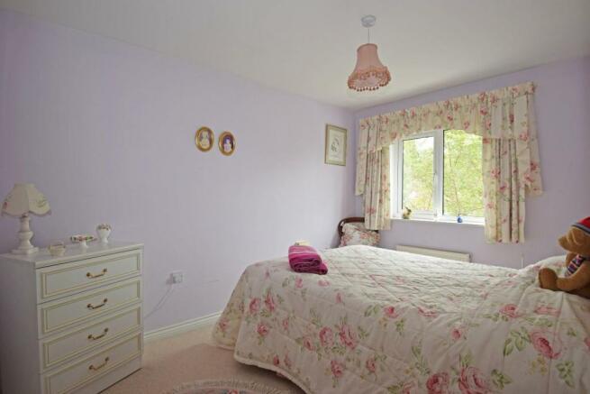11 Impney Way, bed 2.jpg