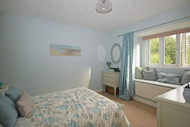 46 Nuffield Drive, bed 3.jpg