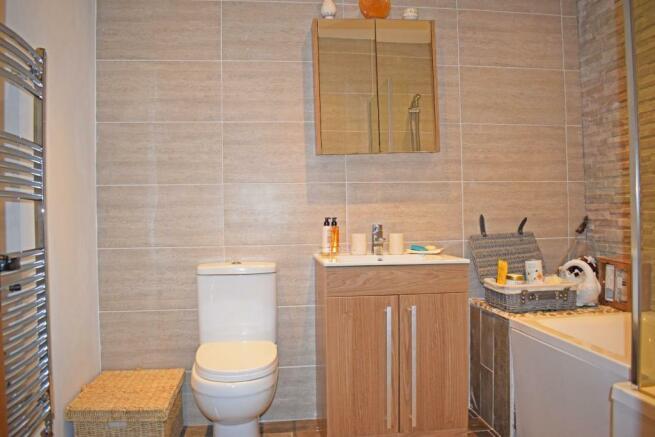 103 Barnt Green Road, bathroom.jpg