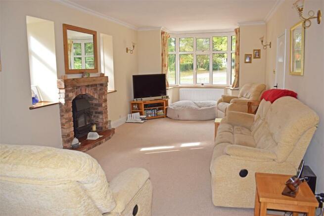 Crantock, living lounge.jpg