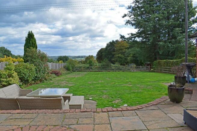Crantock, garden 1.jpg