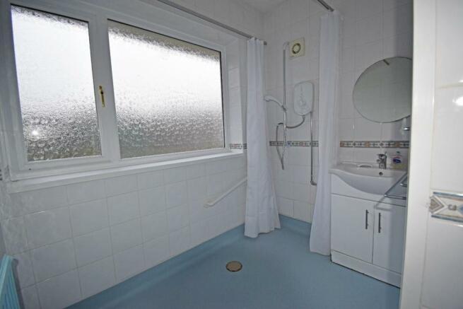 54 Callow Hill Road, shower.jpg