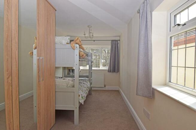 77 Twatling Road, bed 3b.jpg