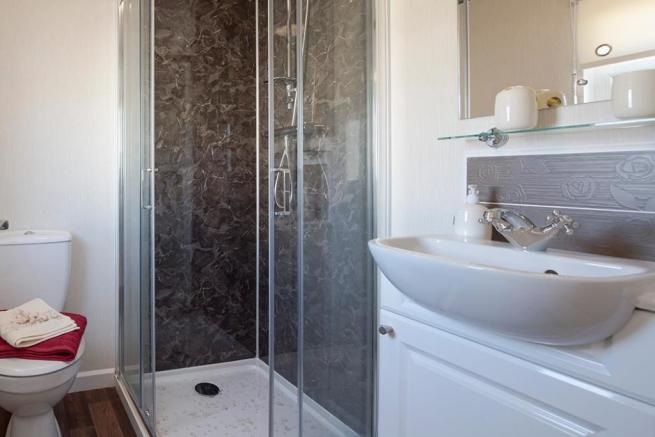 goodwood-ensuite-2.j
