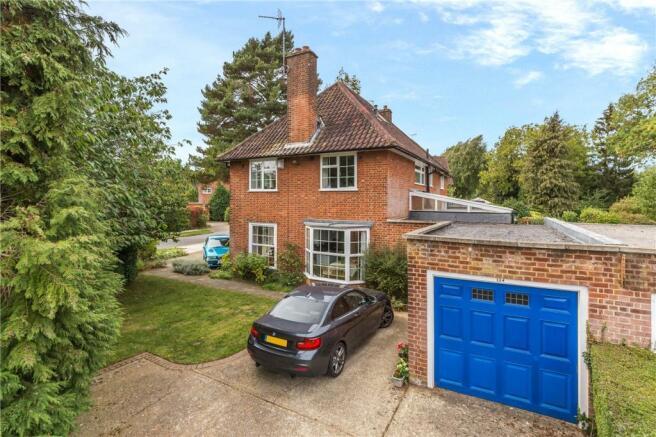 5 Bedroom Detached House For Sale In Parkway Welwyn Garden City