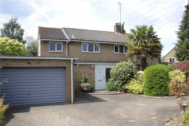 5 Bedroom Detached House For Sale In Knightsfield Welwyn Garden
