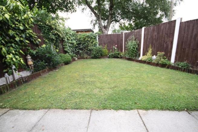 ADDITIONAL REAR GARDEN PICTURE
