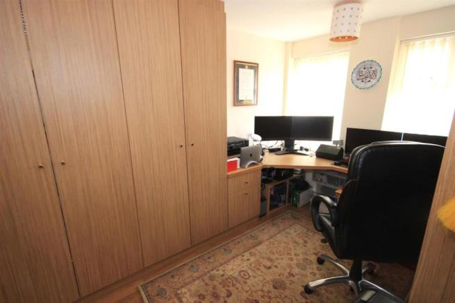 OFFICE/ BEDROOM 5
