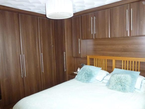 Bedroom One Pic 2