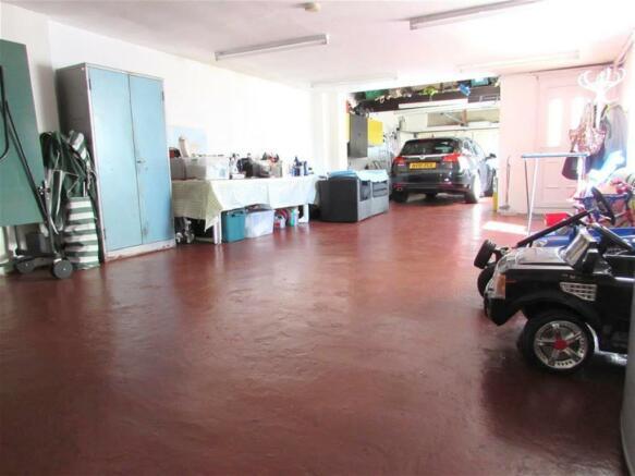 Garage or Workshop