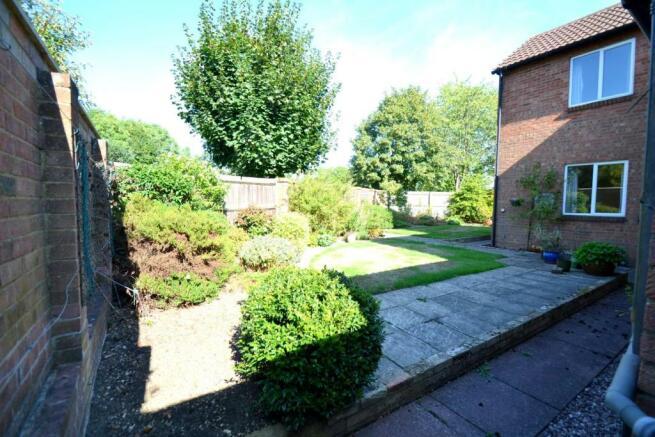 rear garden.2.jpg