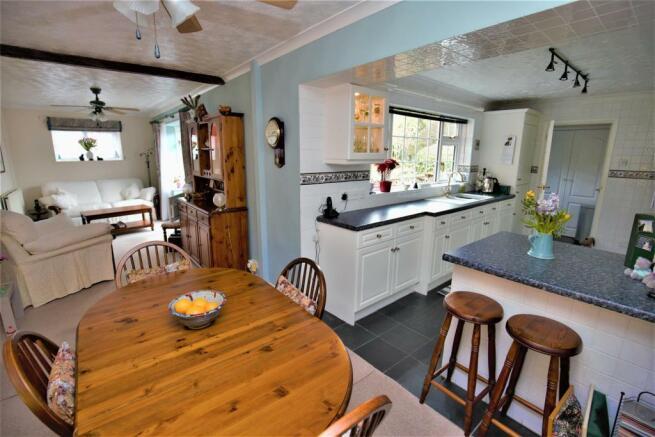 Kitchen. DIner. Lounge.jpg